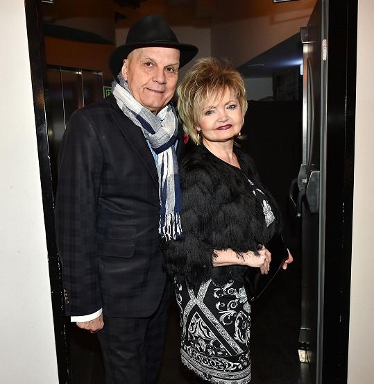 Přišli i manželé Jan Přeučil a Eva Hrušková.