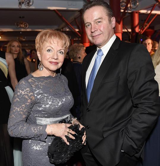 Pavla Břínková s manželem, profesorem Tomášem Trčem, který je přednostou ortopedie v pražské motolské nemocnici.