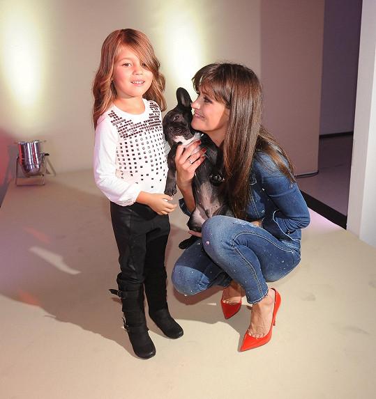Adrianka je krásná po mamince.
