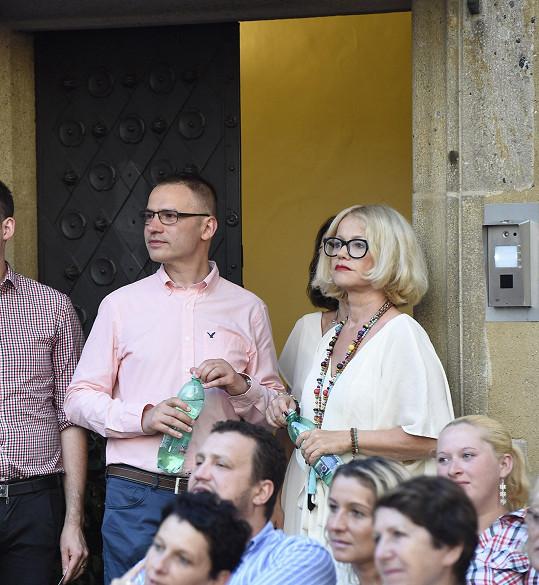 Vystoupení svého partnera sledoval Janis Sidovský.