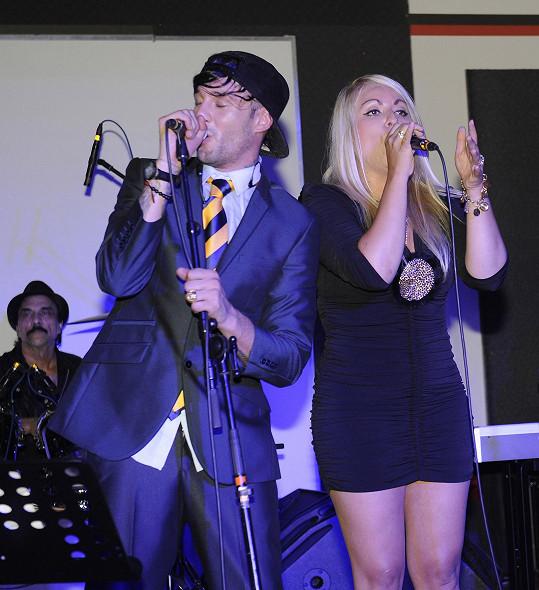Sámer na narozeninovém koncertě vystupoval například s Martinou Balogovou.