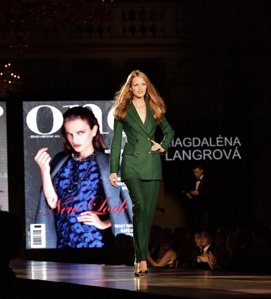 Oblíbenkyně návrháře módního domu Dior Rafa Simonse Magdaléna Langrová odstartovala svoji kariéru a exkluzivní spoluprací s Pradou a velmi často fotí pro různé mutace časopisu Vogue.