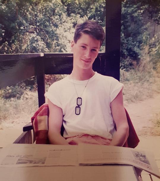 Moderátor doma našel také snímek z doby, kdy procházel pubertou.