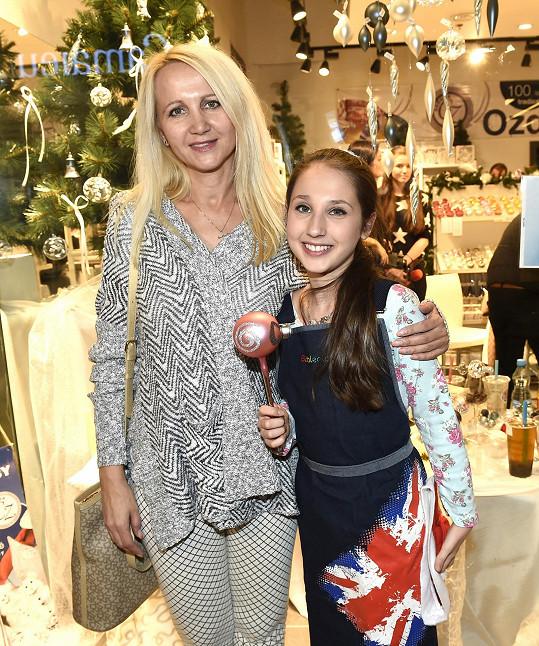 Šárka Grossová s dcerou Natálkou.