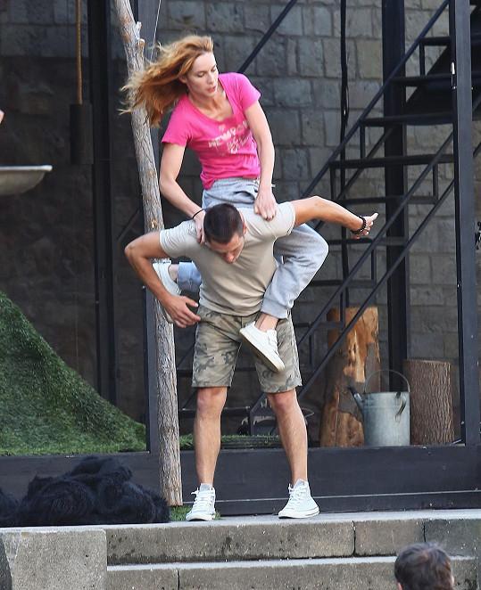 Martin Písařík a Hana Vagnerová během akrobatických kreací