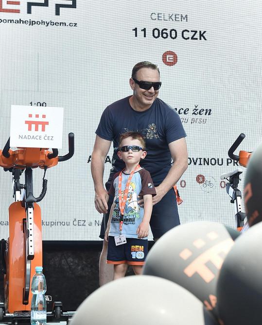 Michal Dvořák se synem.
