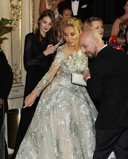 Podle stylisty Filipa Vaňka stála 94 tisíc korun.