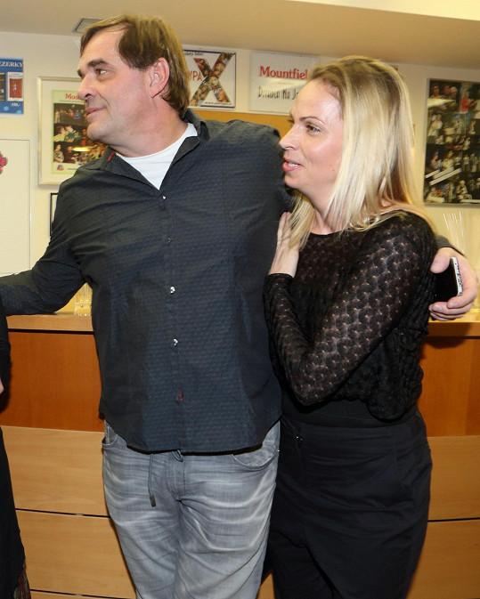 Miroslav Etzler s přítelkyní chodí už více než tři roky.