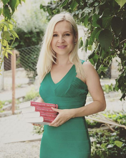 Karolínu Hošek známe jako reportérku TV Prima.