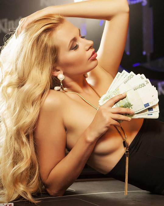 Linda držela v ruce skoro tři milióny korun.