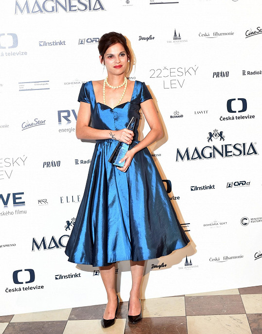 V roce 2015 získala Českého lva za hlavní roli ve filmu Cesta ven.