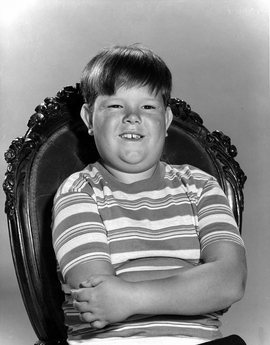 Ken Weatherwax jako Pungsley v seriálu Addamsova rodina.