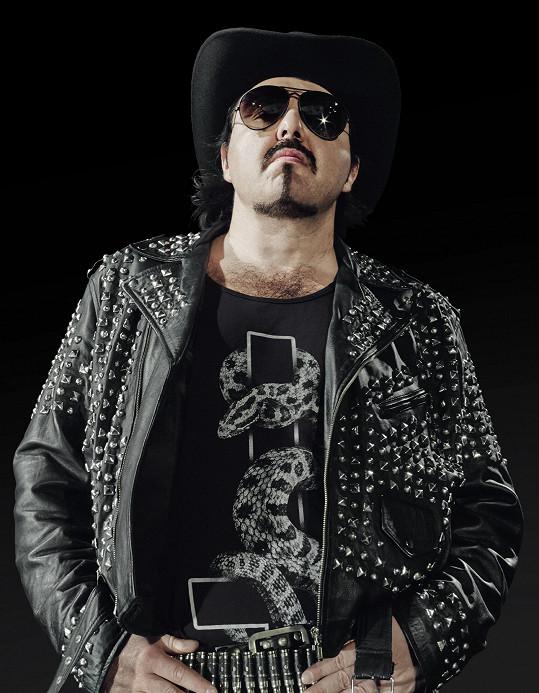 Frontmanem extrémní české kapely Vanessa je démonický zpěvák Samir.