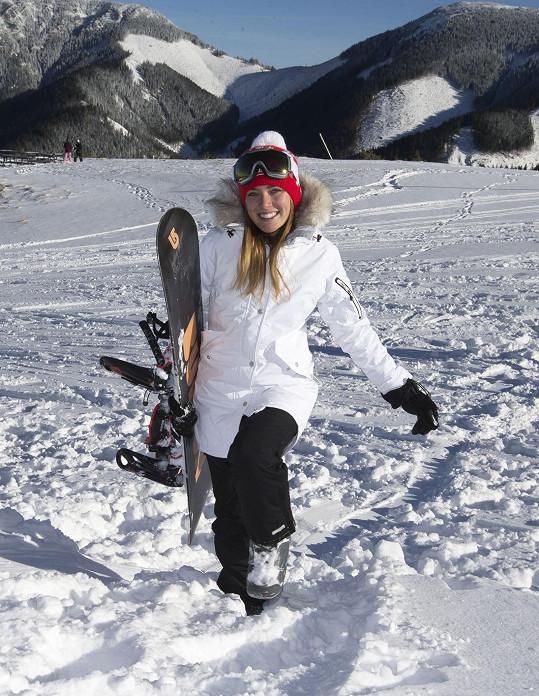 Na horách se těšila hlavně na snowboard.