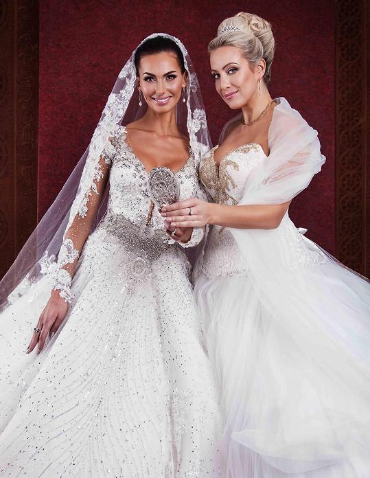 Eliška Bučková a Tereza Mátlová jako nevěsty