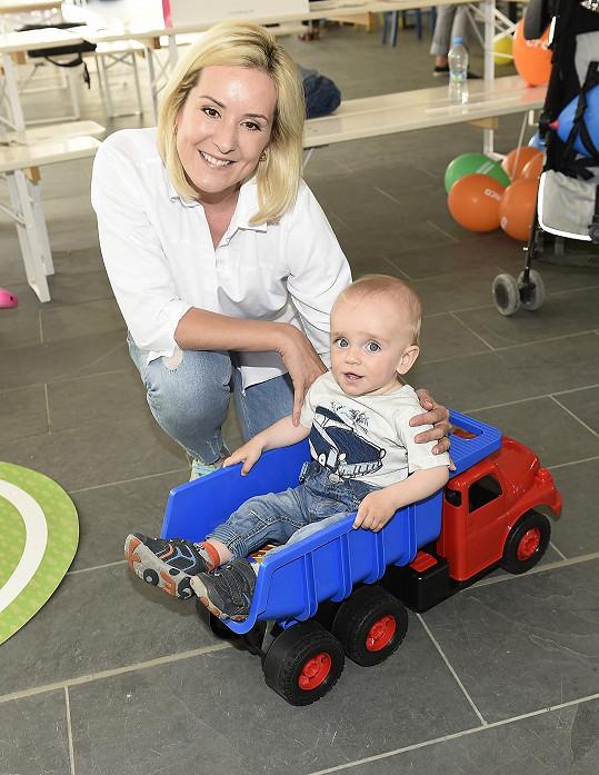 Jovanka Vojtková s mladším synem Albertem