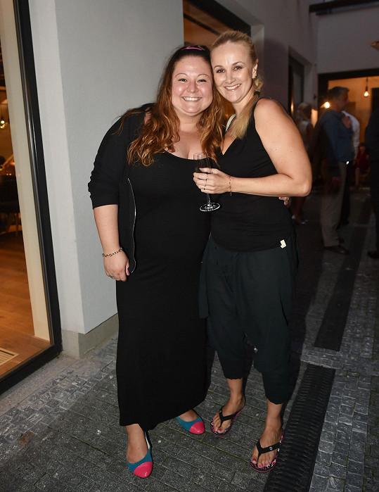 Aneta Christovová s kamarádkou Lindou Finkovou