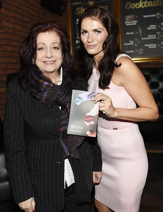 Se spisovatelkou Terezou Čihákovou na křtu její knihy.