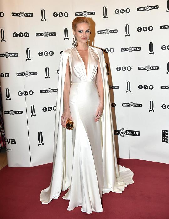 Velmi rafinovaný model bloggerka Nena The Aristokrat vytvořila v kooperaci s návrhářem Lukášem Lindnerem.