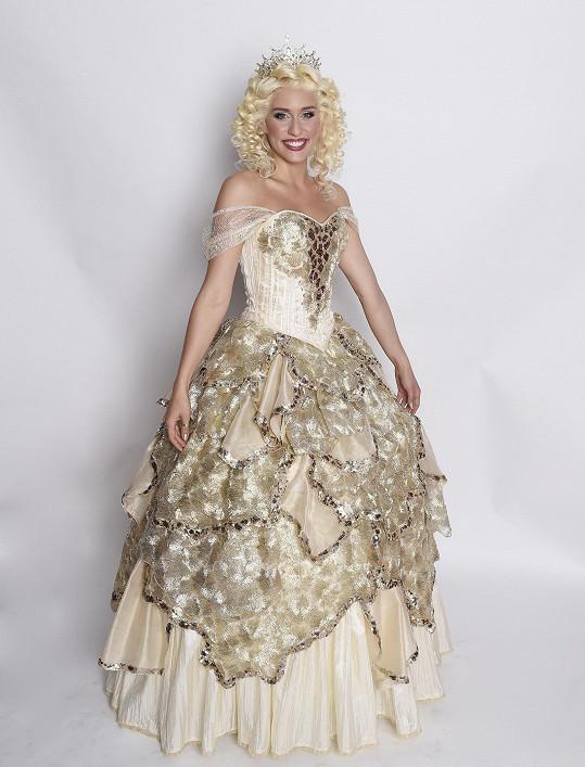 Sára jako čarodějka Glinda