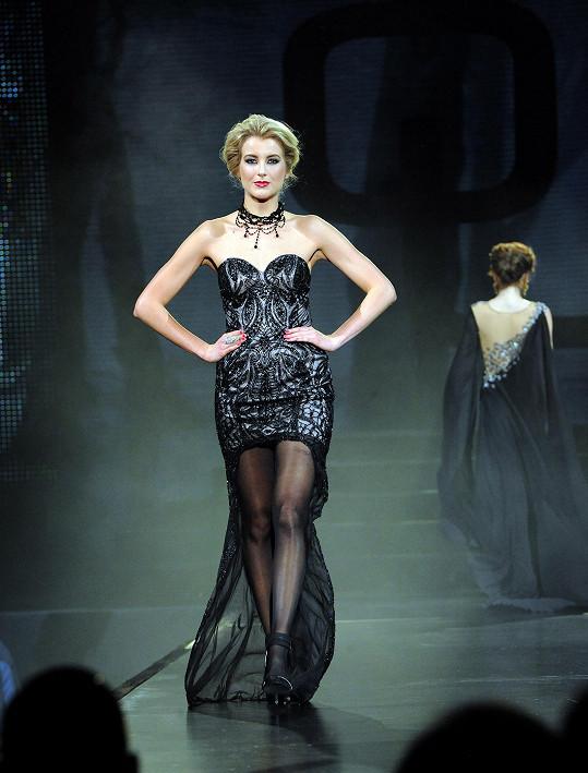Česká Miss 2011 v korzetových šatech