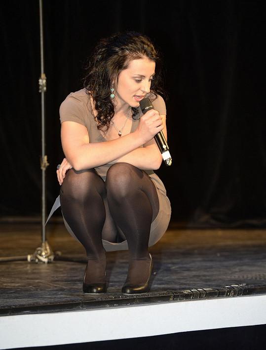 I když je uznávanou muzikálovou zpěvačkou, přímo jí prý volá jen Mirjam Landa, jinak musí na castingy.