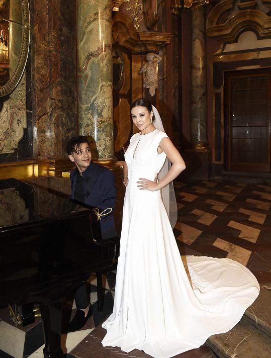 Bendig a Bagárová spolu točili klip k duetu Amen.