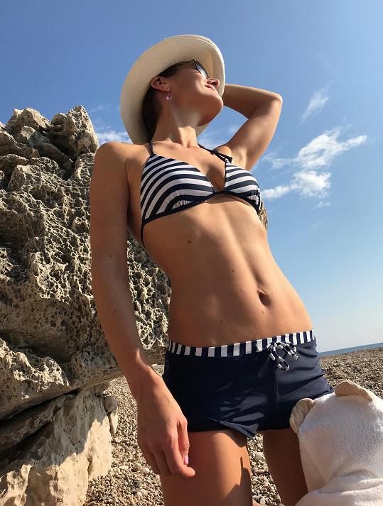 Jana Doleželová vystavila svou dokonalou figuru na dovolené v Chorvatsku.