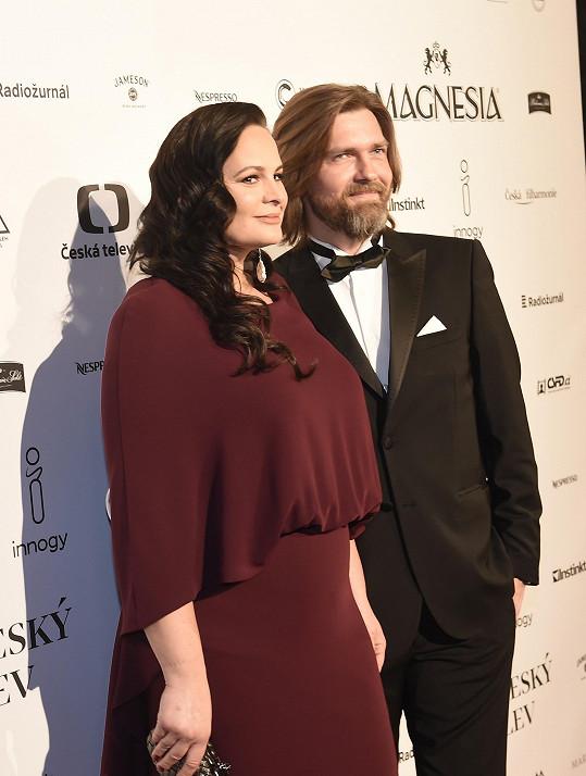 S manželem Petrem Čadkem se těší na druhé dítě.