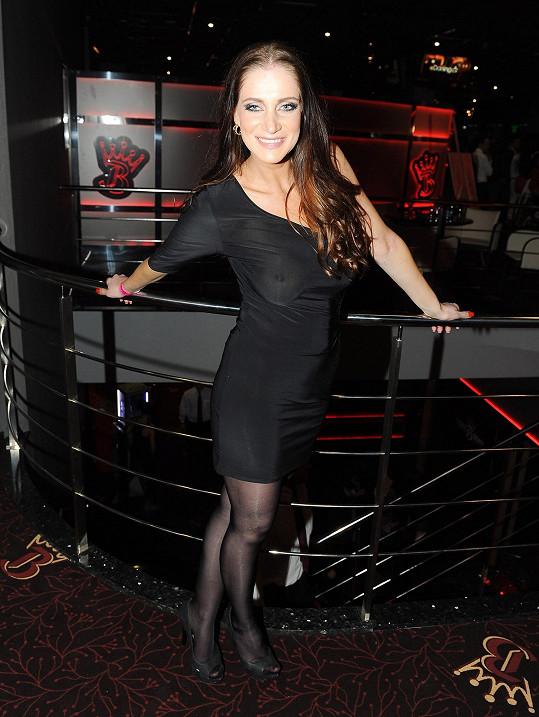 Andrea Pomeje byla na párty zatraceně sexy.