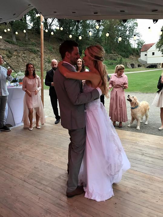 Novomanžele teď čeká svatební cesta
