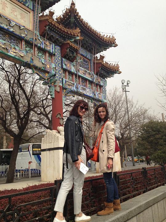 Návrhářku cesta do Asie umělecky ovlivnila.