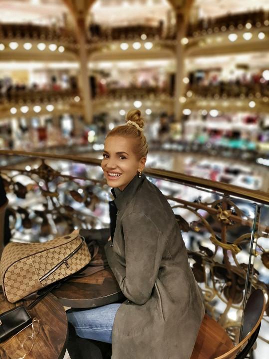 Rolins se chce zaměřit na kosmetiku a doplňky. Dříve své jméno propojila s nočním klubem či značkou nábytku.