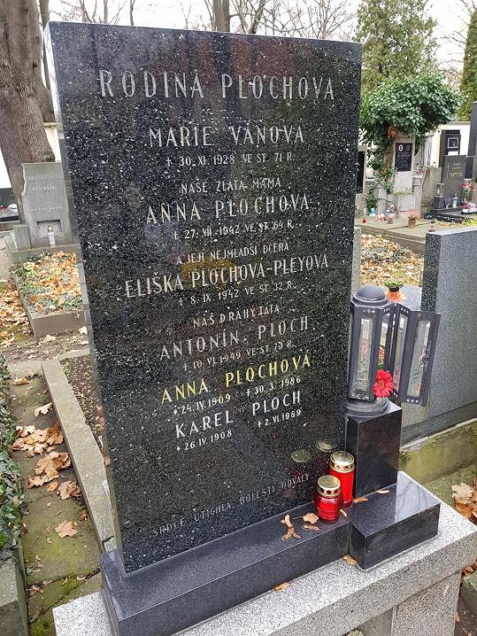 Místo posledního odpočinku Elišky Pleyové na bubenečském hřbitově