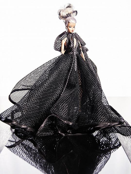 Monika Drápalová má velmi elegantní panenku.