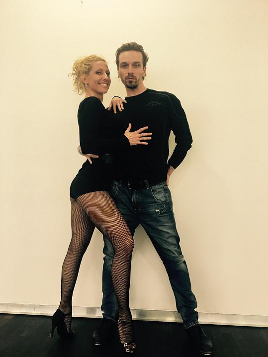Pilují společné číslo na charitativní taneční show Jitky Schneiderové Díky tanci.