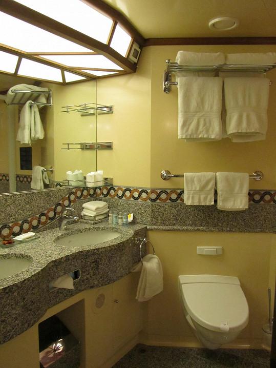 Pavlínina kajuta měla pochopitelně vlastní koupelnu.