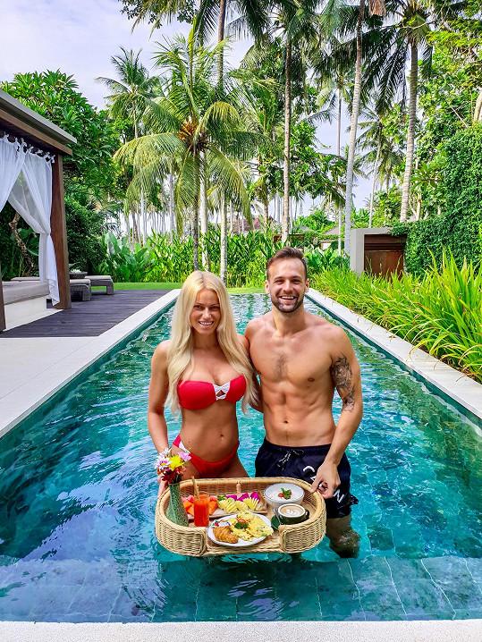 Jakub a Eva si užívali pohodu na Bali.