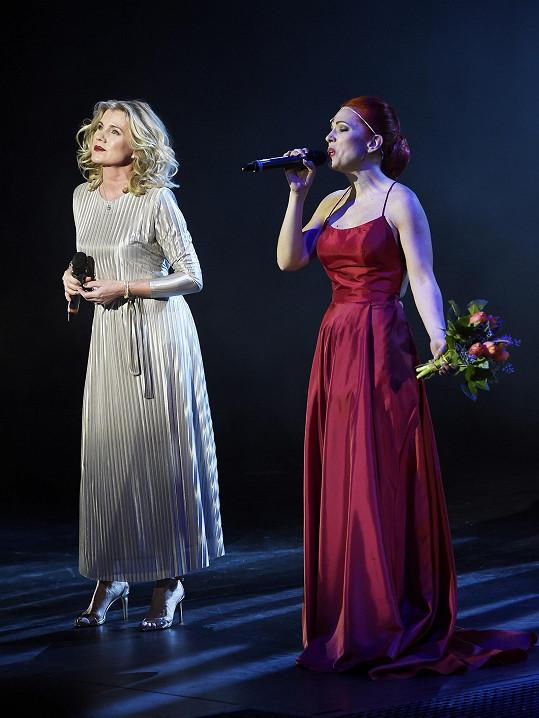 Zpívala s Míšou Noskovou na jejím narozeninovém koncertě.