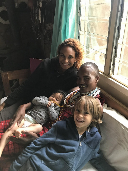 Do Afriky se vydala také s dcerou Iman.