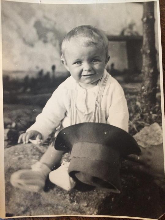 Veronika na archivním snímku ze svého dětství