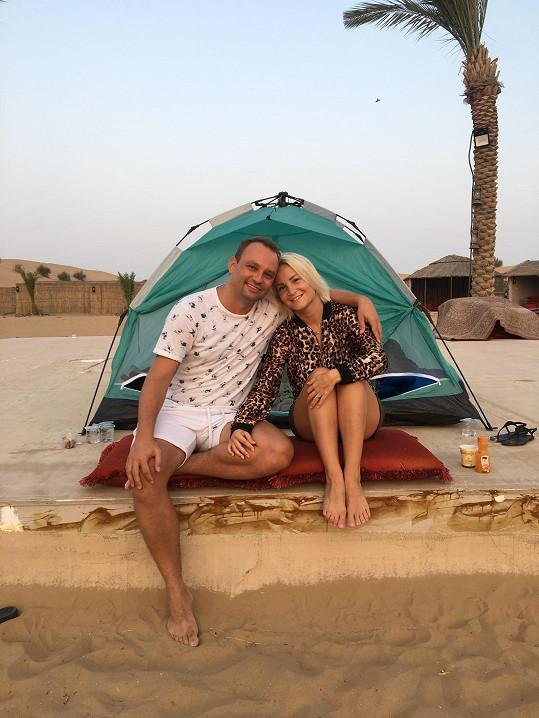 S manželkou Terezou přespávali v poušti.
