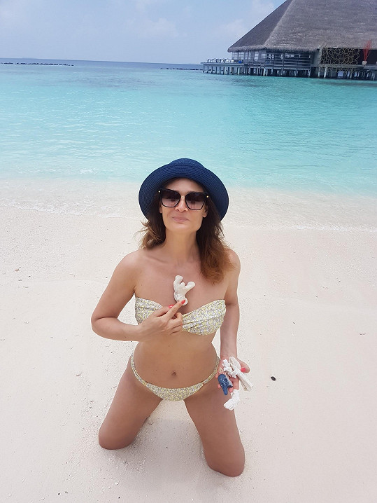 Klára Doležalová si užívá na dovolené na Maledivách.
