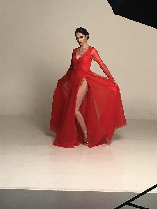 Tento model Debbie Brown fotila Burešová před pár měsíci.