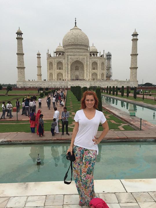 Vyrazila si prohlédnout také Tádž Mahal.