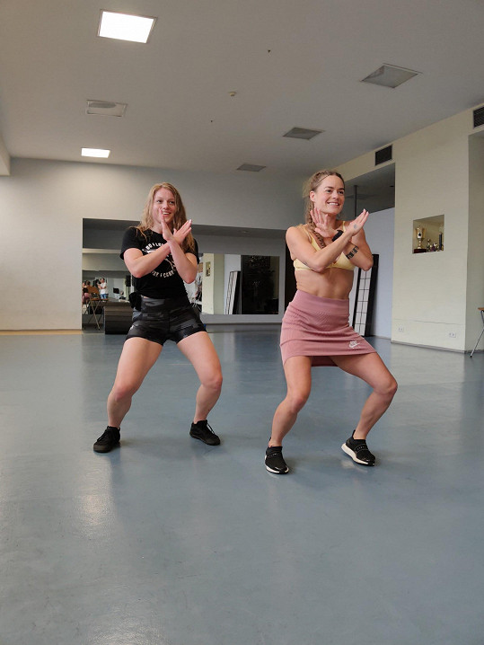 Na jedné z tanečních lekcí jsme Sandru vyzpovídali na kameru.