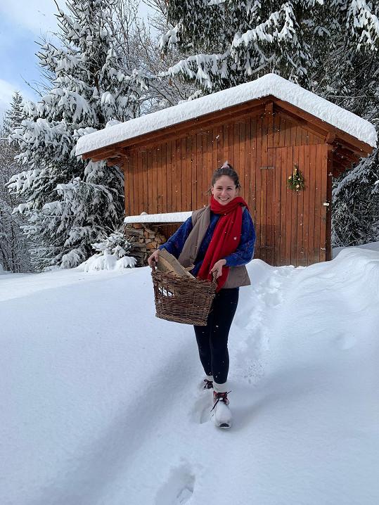Zimu si užívala na chatě.