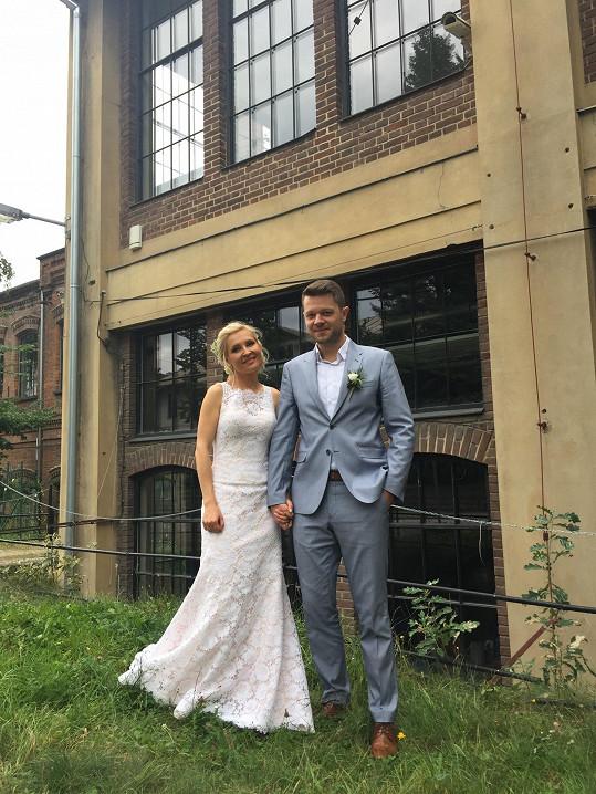 Karol si vzala kolegu Pavla Štrunce.