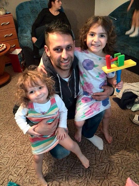 Zesnulý bratr Martin s dcerami