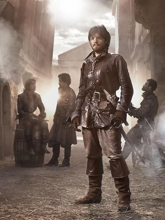 Athos (Tom Burke)
